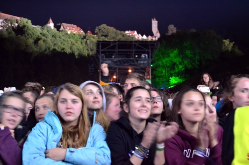 Fans vor Rothenburgerkulisse