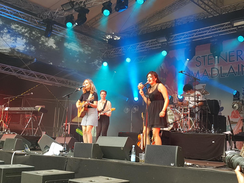 Zuckerkick beim A Summer's Tale Konzert Steiner und Madlaina